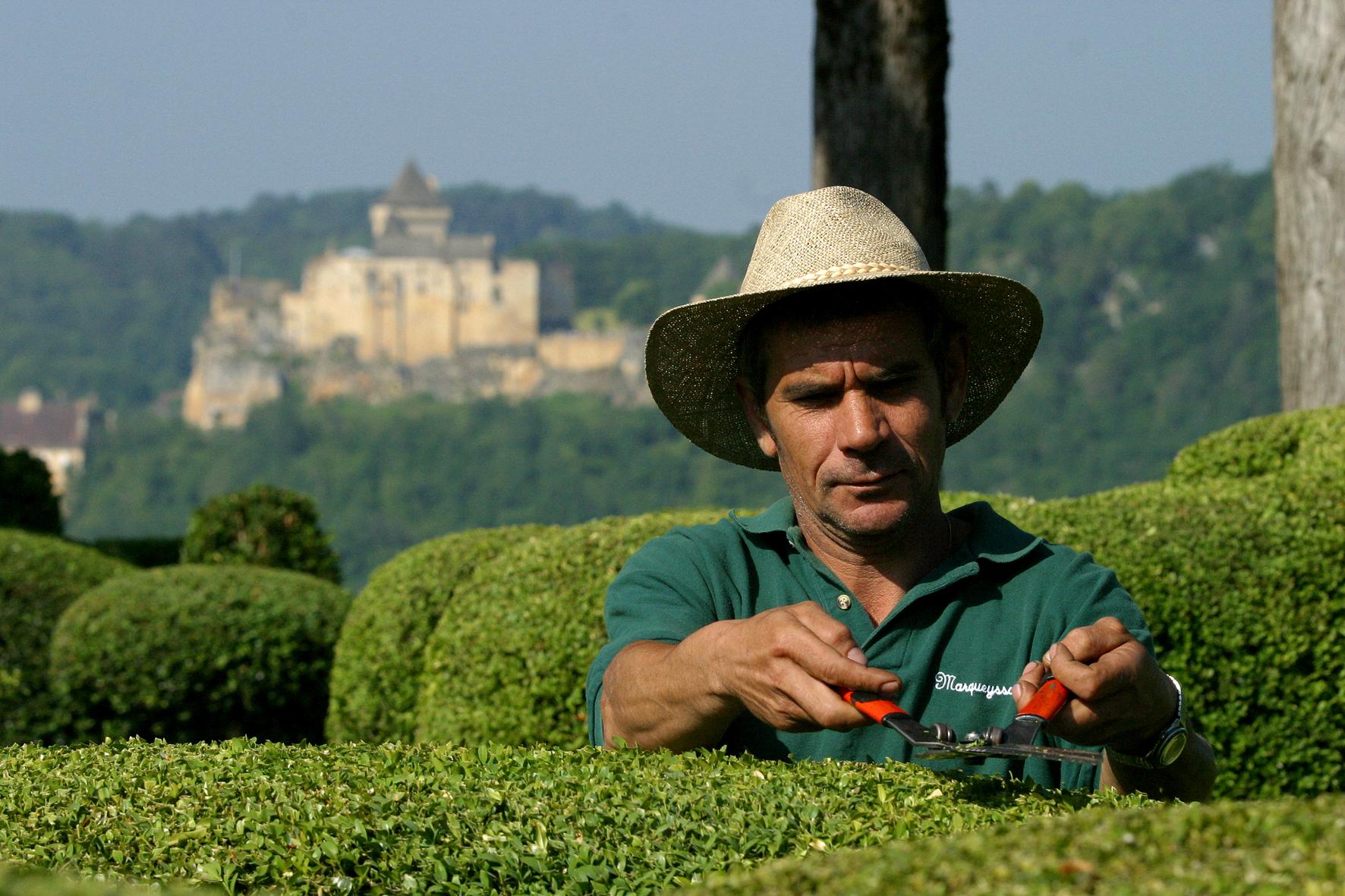Comment s lectionner son jardinier monaco prestige for Le jardinier