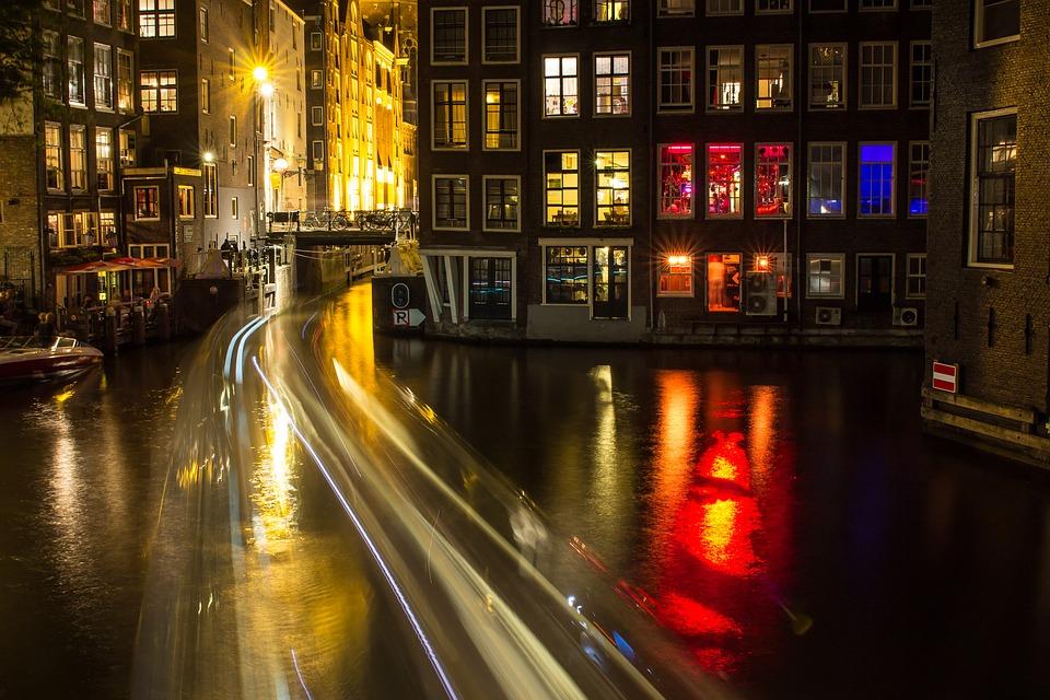 amsterdam-1629424_960_720
